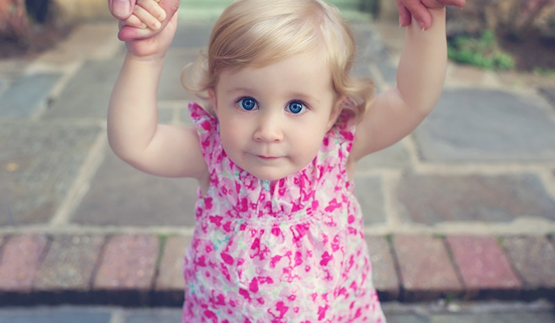 one-year-old-girl-toddler-photography-wales-cardiff